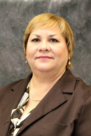 Driven by a personal mission to help students achieve their dreams and career goals, Priscilla Medina, a longtime employee of Laredo Community College, ... - Medina2sm